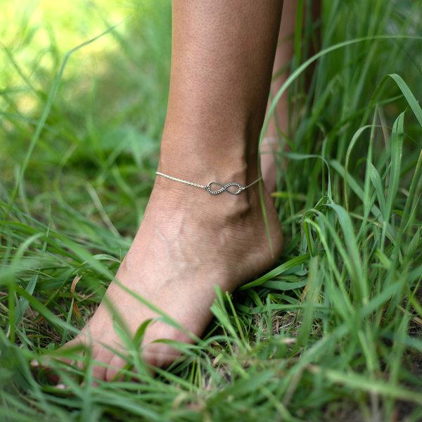 Серебряный браслет бесконечность на ногу