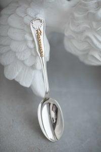Серебряная ложка на рождение ребенка