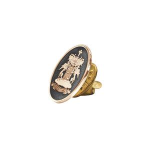 Золотой значок с фамильным гербом